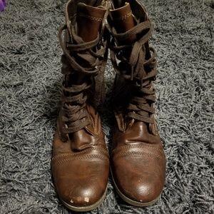 Candie's dark brown boots